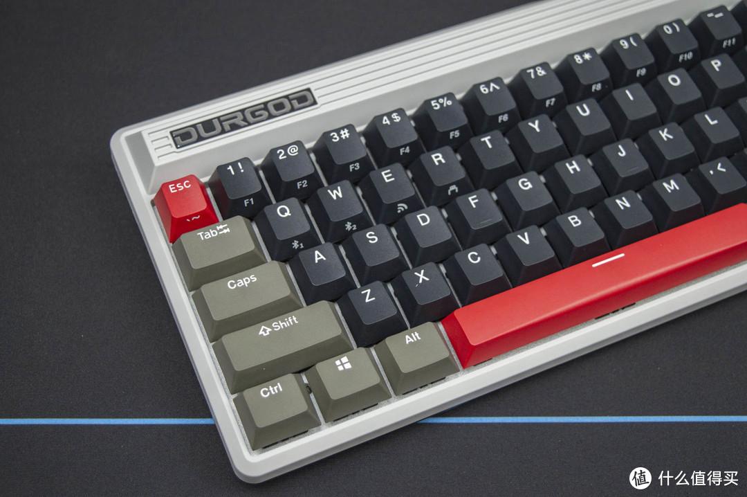 低调百搭,顺滑稳定:杜伽FUSION无线复古机械键盘开箱