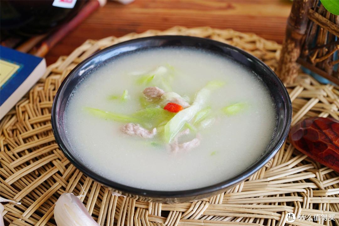 夏至过后,萝卜白菜靠边站,吃它正是时候,煮一锅鲜香不输排骨汤