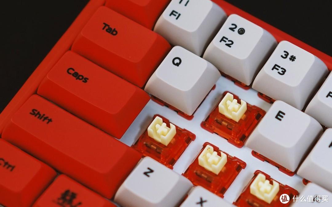 黑爵K680T镖人定制版机械键盘赏评:68小配列,奶油轴,双模背光!