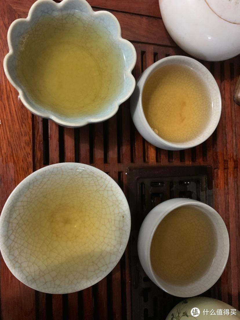 从上到下依次是第二到五泡的茶汤