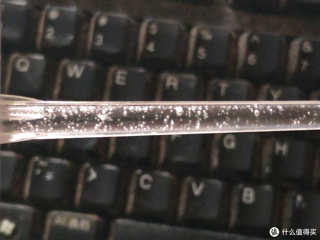 用4*6mm硅胶管把欧乐B冲牙器旋射喷头接到英普利M6喷头上(硬插会弄坏,索性切开看弹膜泵啥样)