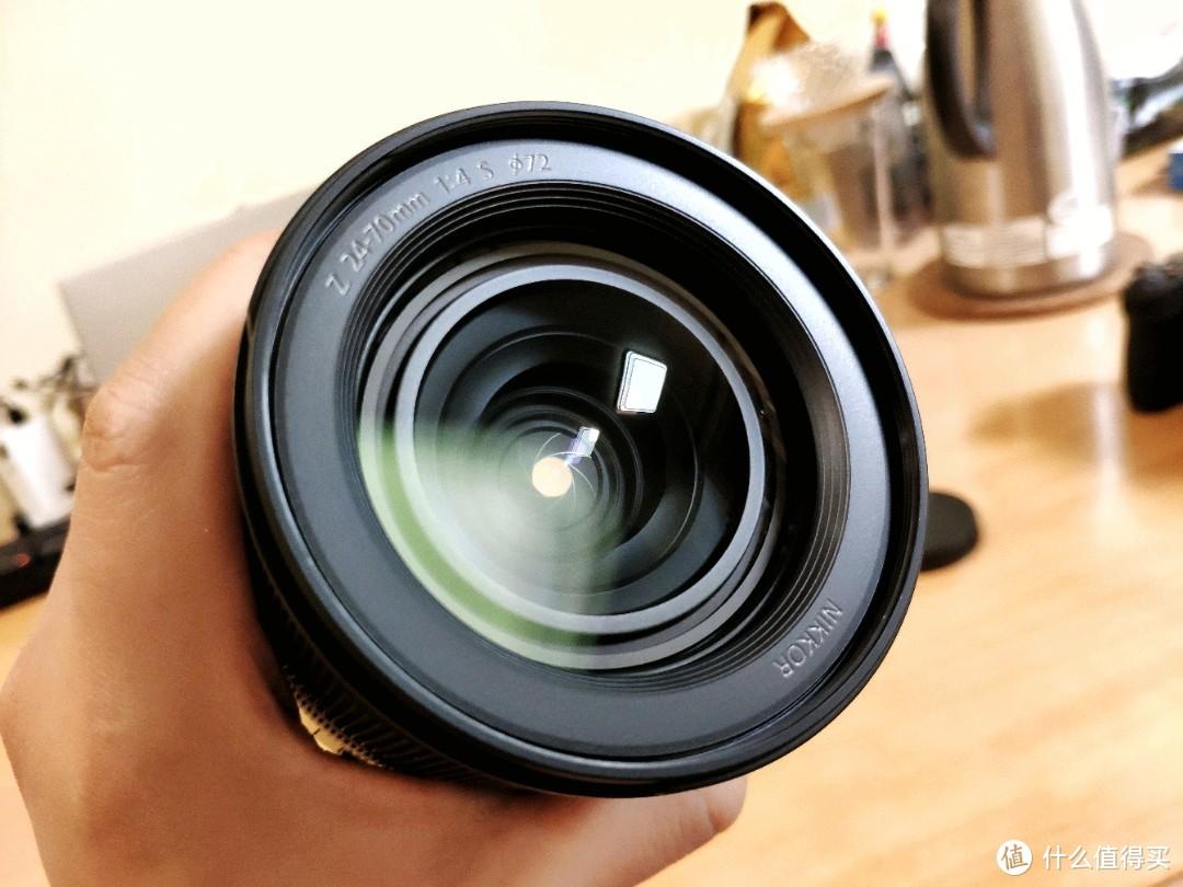镜头的素质非常高,看老外测评比za2870还要好。
