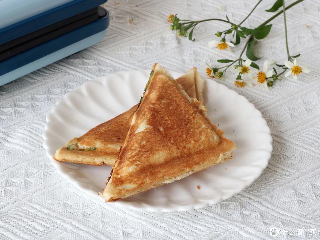 9岁儿子第一次做黑暗料理早餐,发到朋友圈,同学家长纷纷点赞