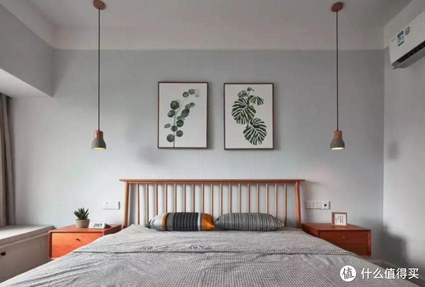 卧室挂画讲究多?挂不好影响生活!