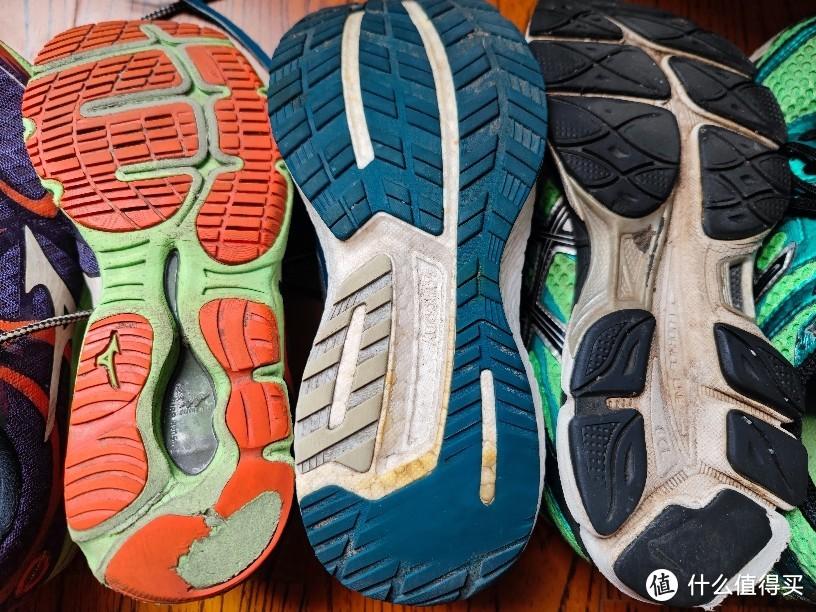 2步教会你选择亚瑟士跑鞋!(附购买亚瑟士高端跑鞋省钱攻略)