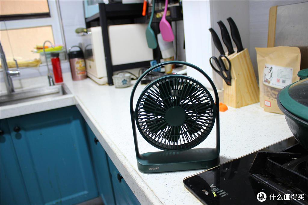怕热!没空调?有它帮忙,不怕热!几素桌面小风扇使用实录