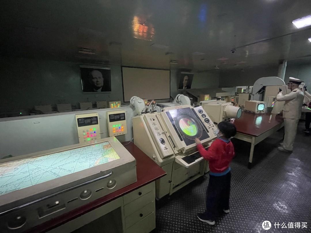 炸机在基辅号航母→国家海洋博物馆→颜值最高的图书馆
