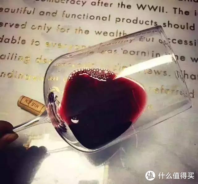 (总结就是,起泡酒千万别醒;简单果香型的红葡萄酒不用醒;大多数情况下,无优质产地无分无奖不用醒)