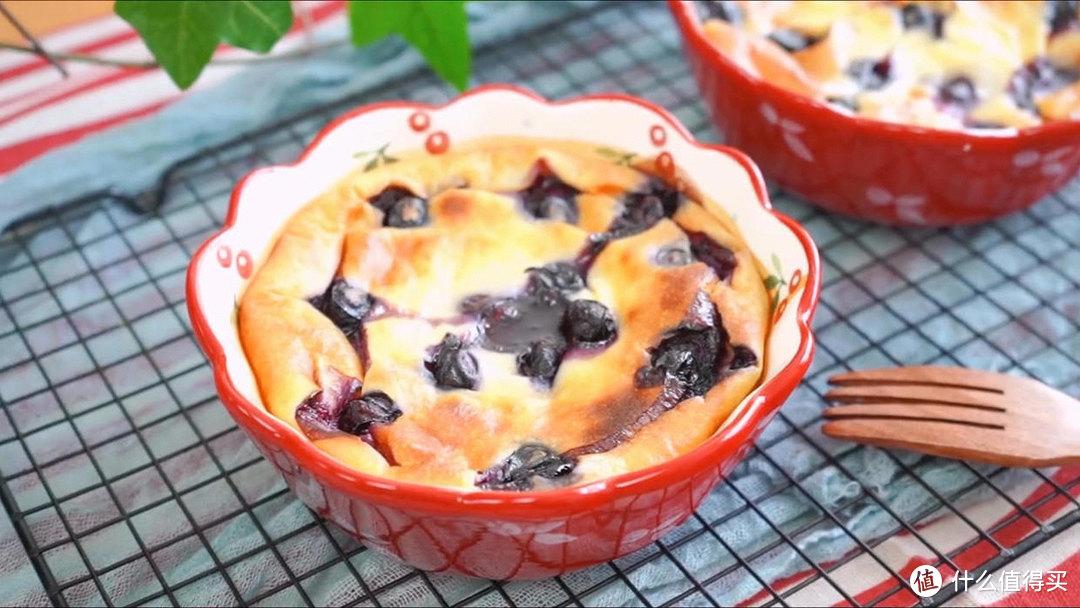 爆浆蓝莓蛋糕,果香味特别浓郁