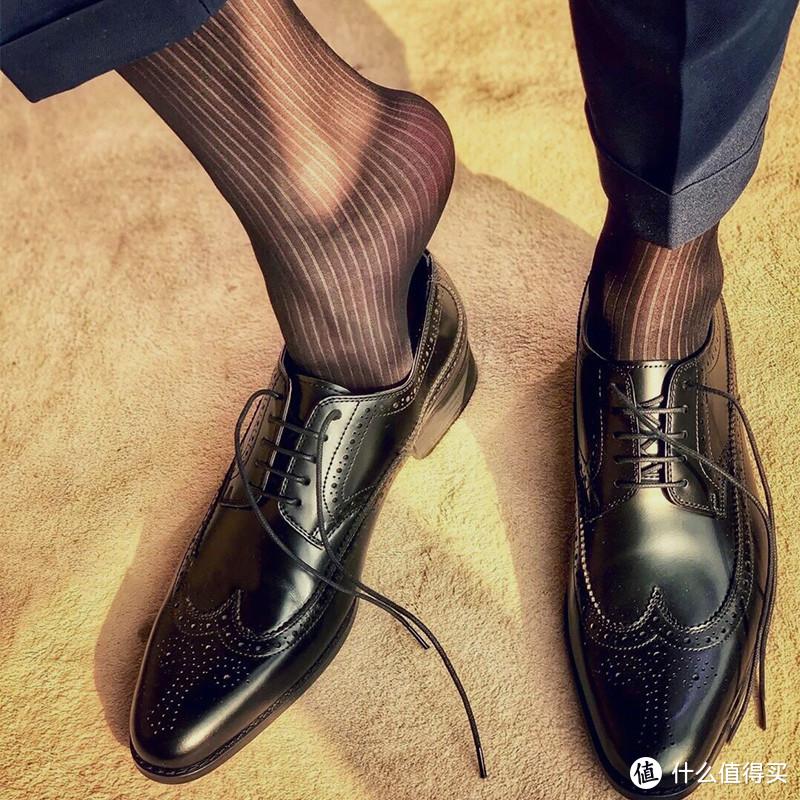 那些穿了丝袜的女生,还穿安全裤吗?我替你们问了这方面的专家