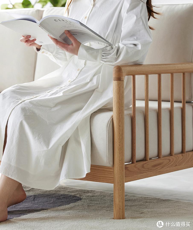 占地面积不到2㎡的实木休闲沙发,兼具颜值和舒适度,小户型看过来!