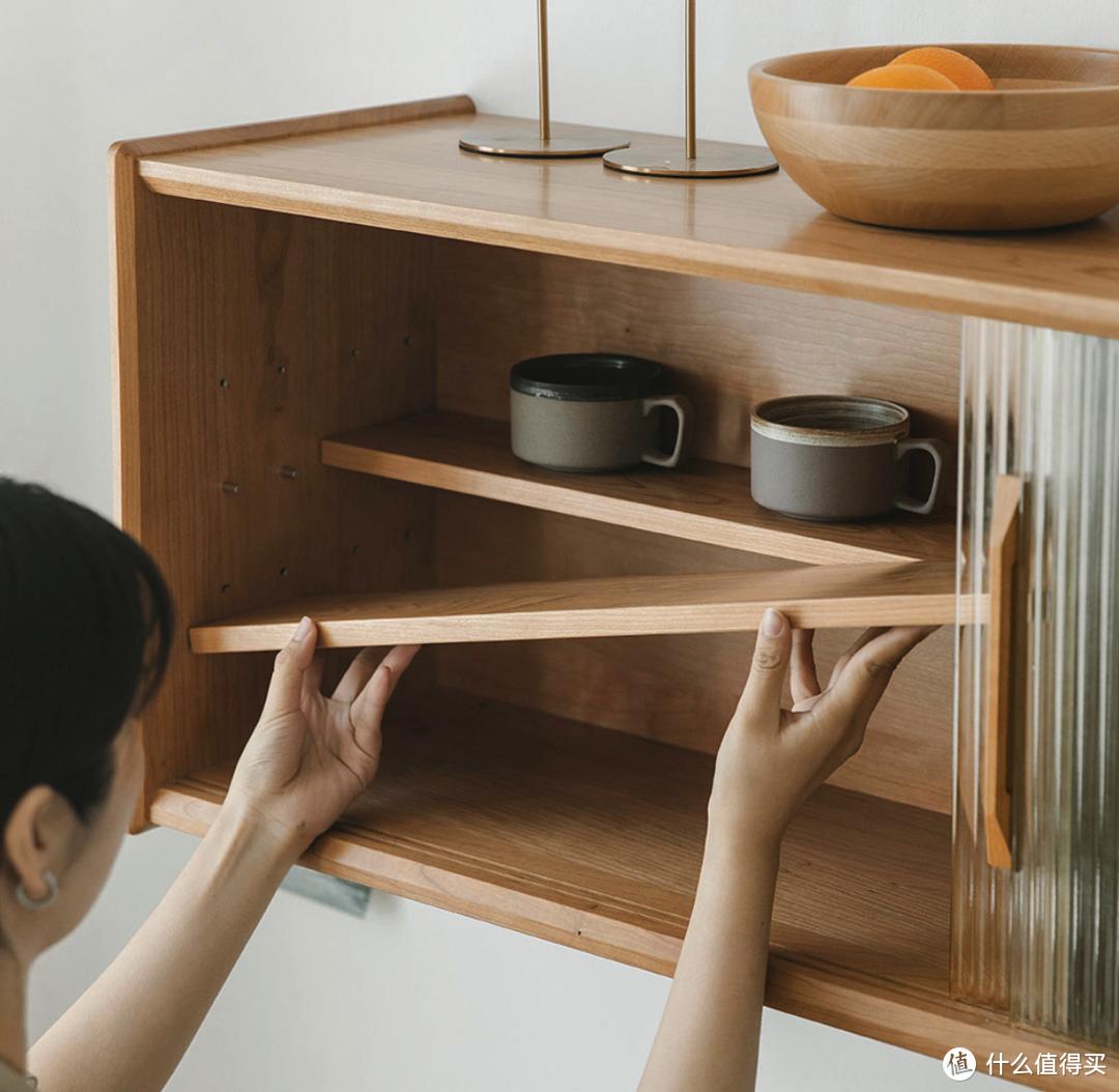 小米有品上新奕米烟火实木餐边柜组合,超大储物空间,玻璃、藤编两种风格可选
