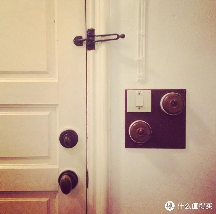 总觉得家里的装潢差点意思?可能是你家的开关不够美