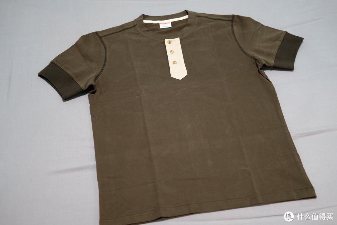沾酱亨利领短袖撞色T恤 入手体验