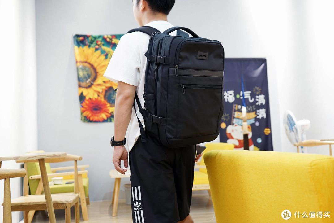 悠启商旅扩容双肩包:超大容量,满足通勤差旅需要!