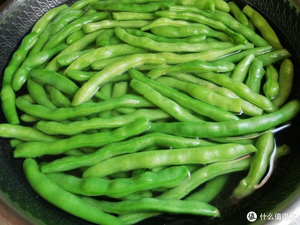 江西人爱吃的这种干菜,做法超简单,有太阳就能做,放一年都不坏!