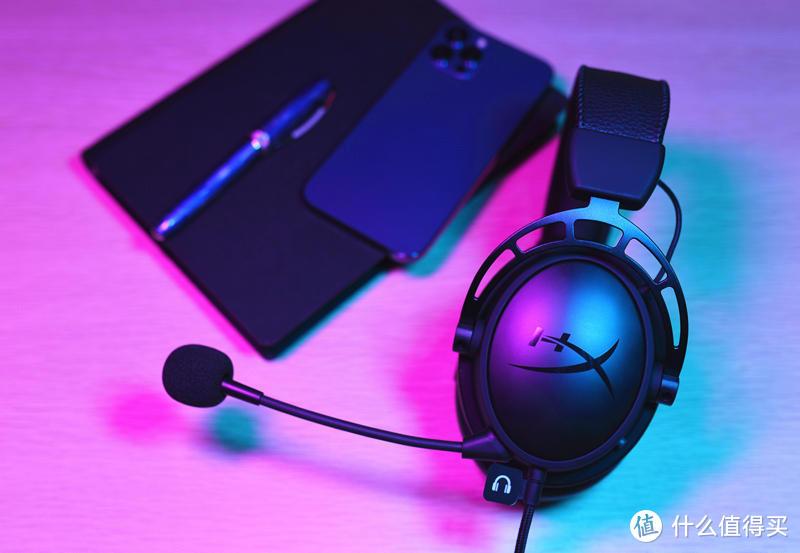 能打、能闹、能聆听,还能跟手机走-HyperX阿尔法S
