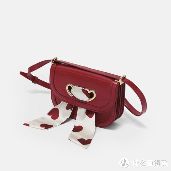 小CK七夕限定礼盒今晚开卖,以爱心丝带串联美好记忆~