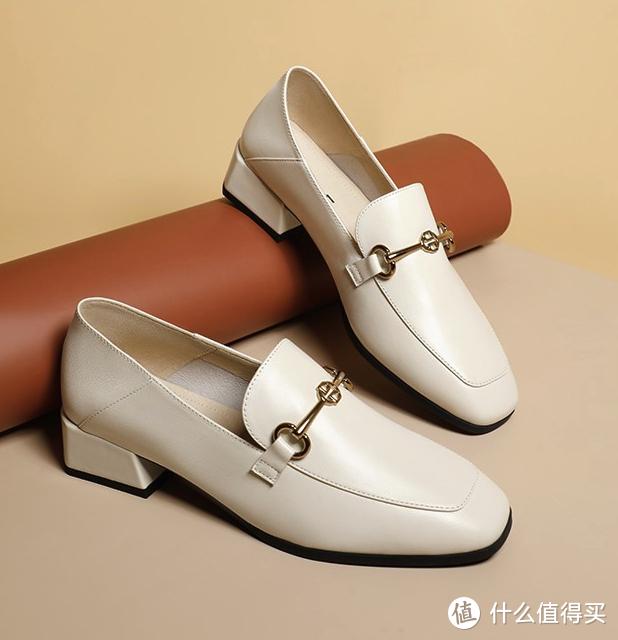 除了百搭的小白鞋以外,还有这些单鞋也值得入手(内附购买清单)