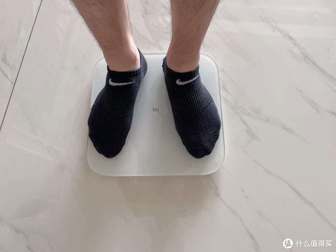 """吃货竟有20位""""不胖密码""""?职场男分享夏季居家运动健康全套装备清单"""