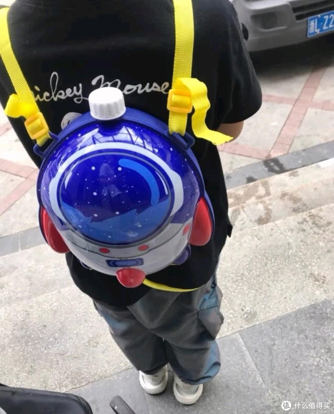 夏日儿童玩水大作战~各式样水枪大集合
