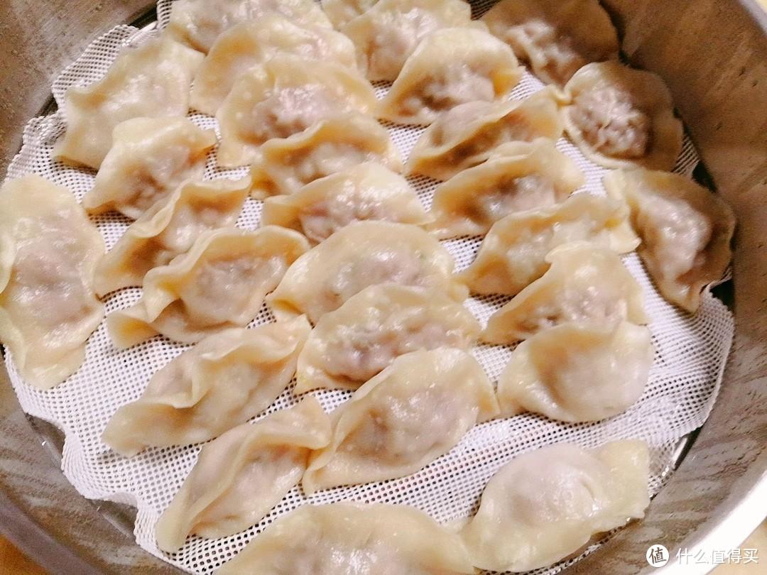 玉米饼和鲜肉饺子