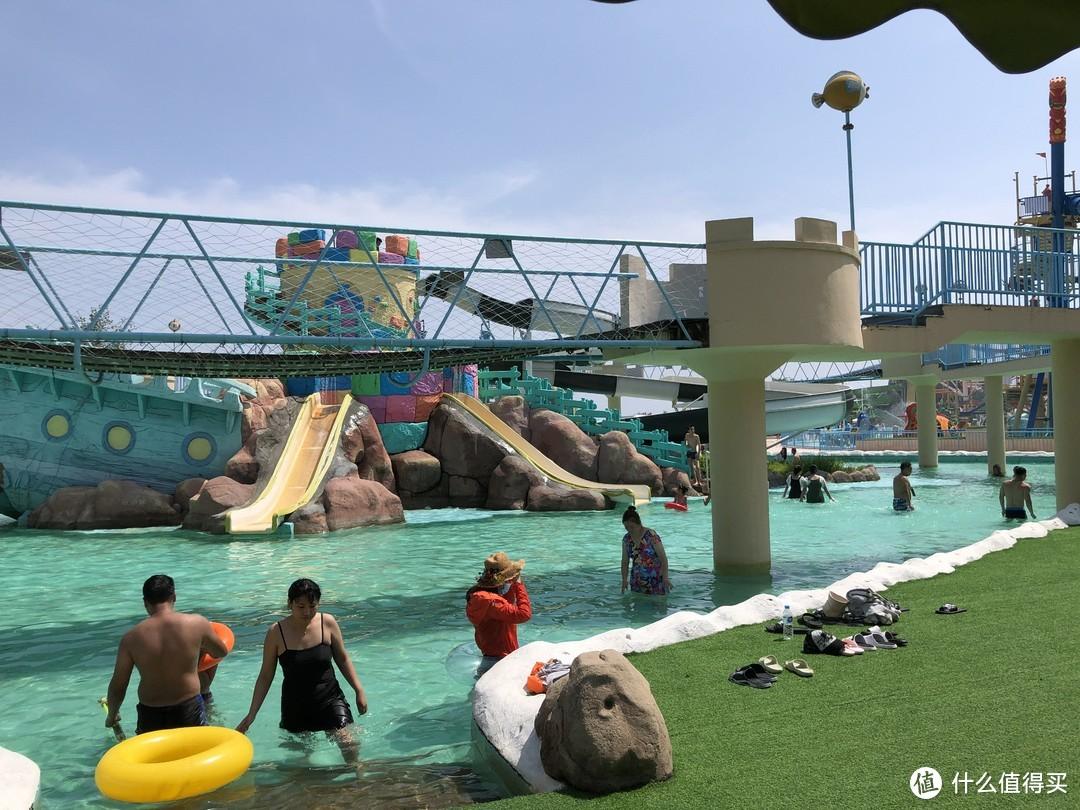 这个夏天总要来一次乐岛吧!沙滩、海豚、水乐园,让你体验快乐是什么~