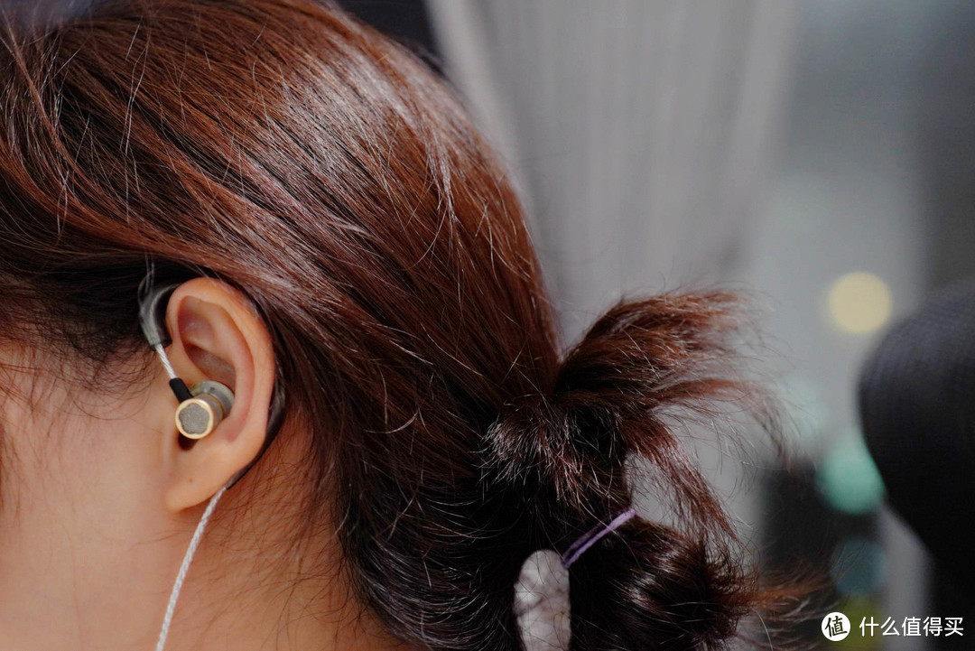 佩戴舒适、听感舒服,这是难得的一副适合小仙女们的平头耳塞