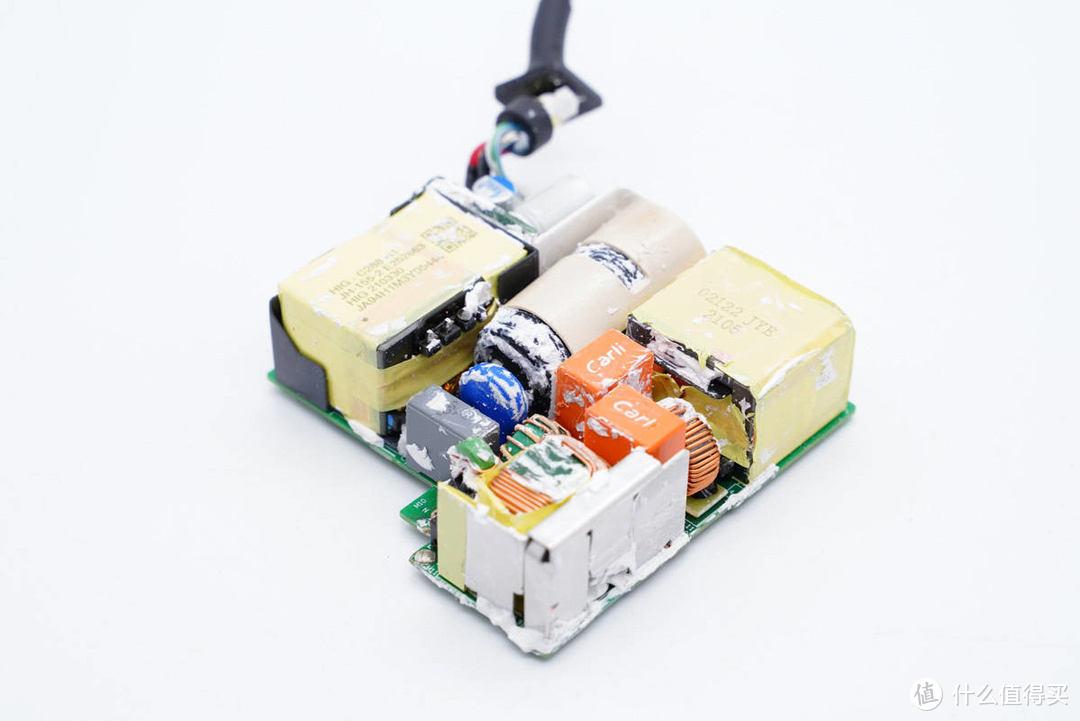 拆解报告:HUAWEI华为135W PD快充充电器HW-200675CD1