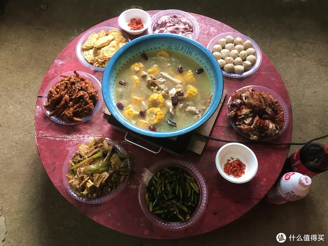 公公过生日,请乡亲们吃饭,每桌7菜1汤,50元红包吃够本