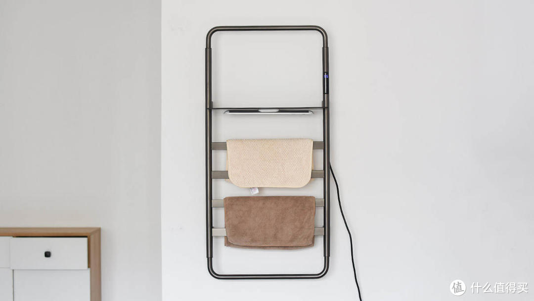 阿拉贝拉电热毛巾架置物版:烘干杀菌 置物收纳