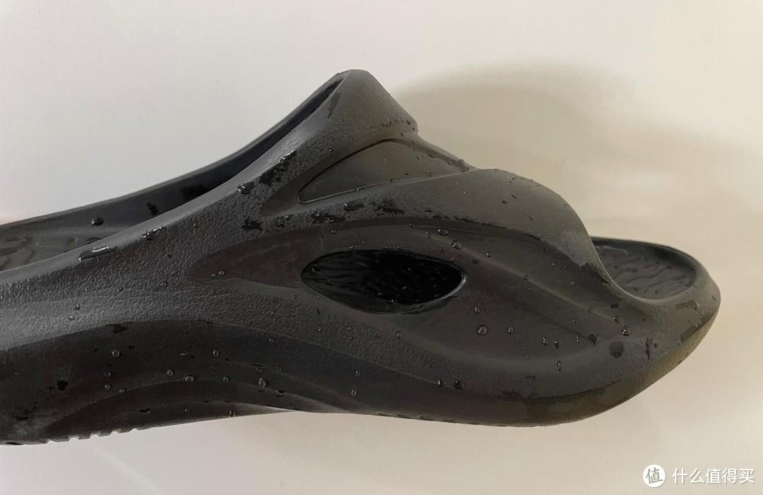 咕咚减震舒缓拖鞋,给予的不仅仅是踩屎感