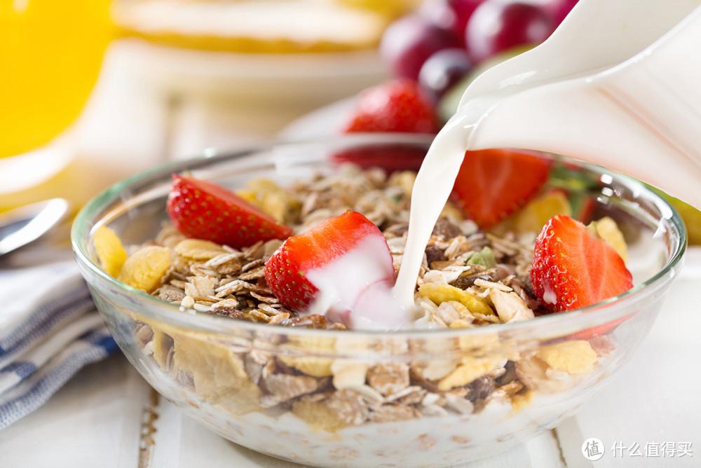 我的同学水果麦片 早餐再也不担心营养不够