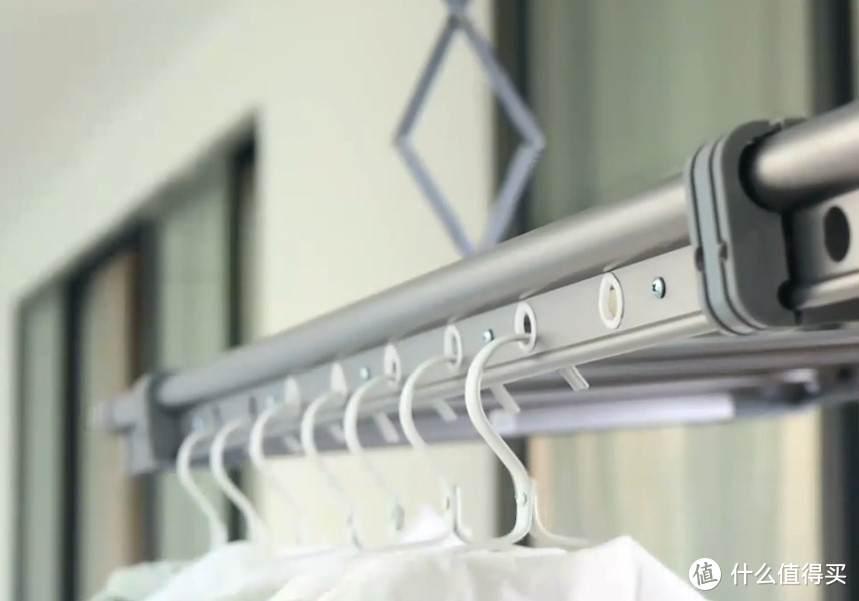 阳台晾晒一步到位,四季沐歌至臻电动晾衣架用起来怎么样?