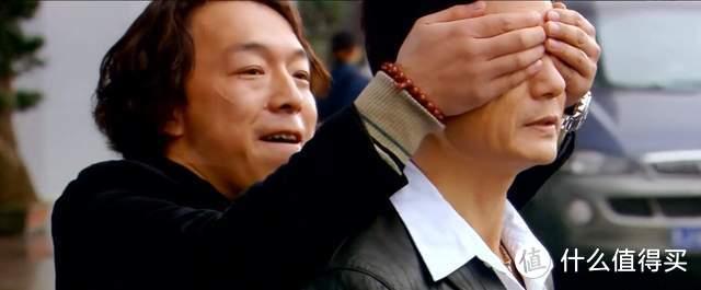 350万投资换回7倍的票房,一部《疯狂的石头》,是重庆网红的开端