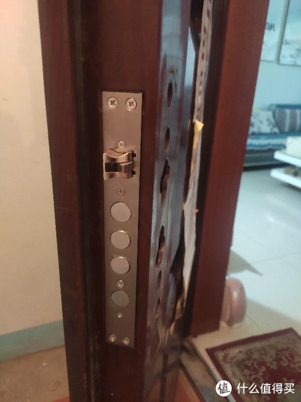 这是家里之前的门锁