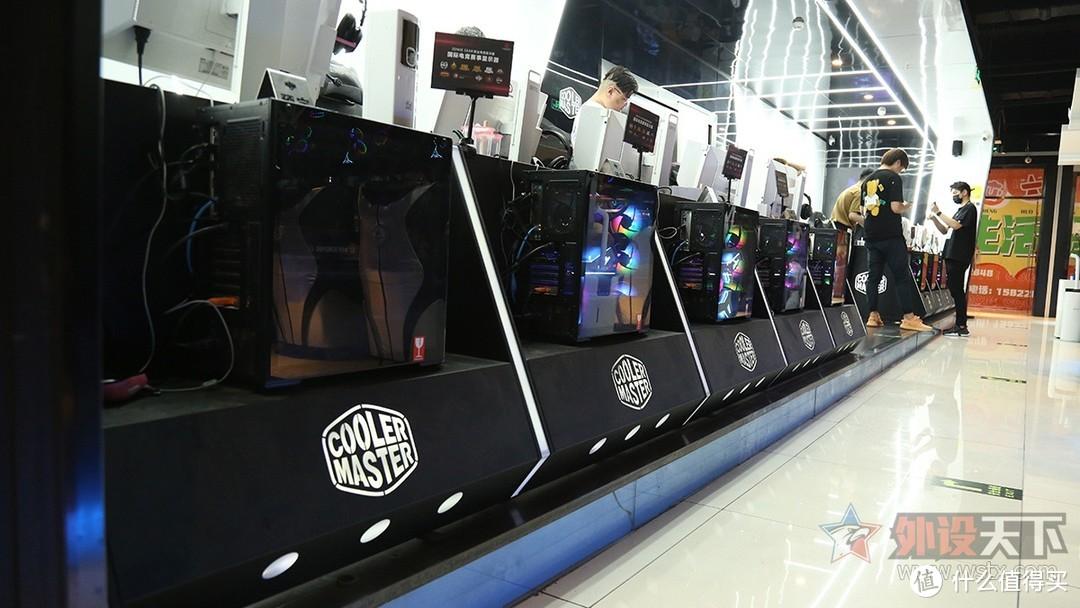 VAXEE产品体验会,齐聚E9电竞网咖