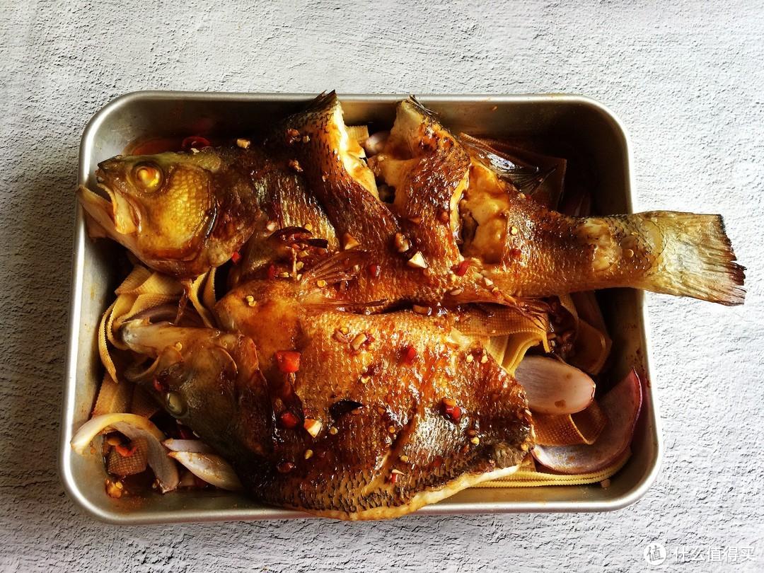 夏天少吃猪肉多吃它,买来不煎不炖,腌一腌加料烤一烤,鲜香好吃