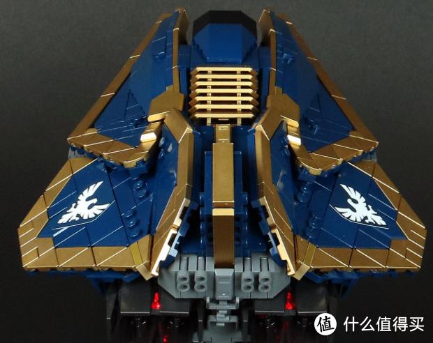 小巧精致的宇宙飞船,蓝色与金色的搭配贵气十足