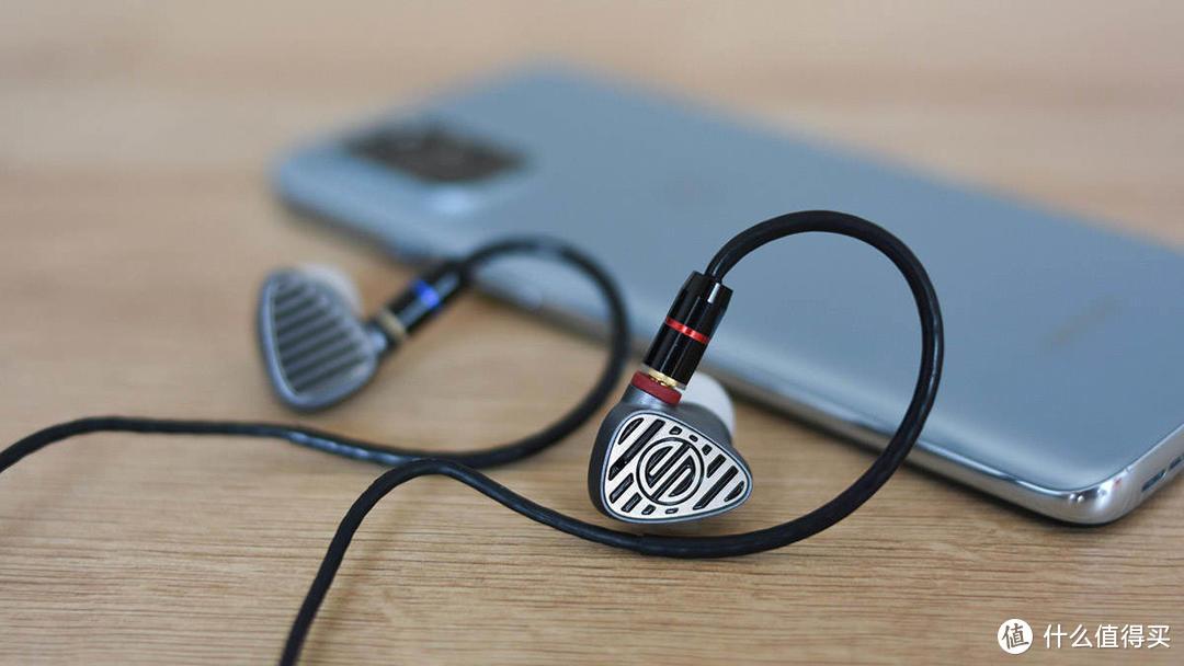 BGVP DN3入耳式圈铁耳机:耳机圈的差异化设计