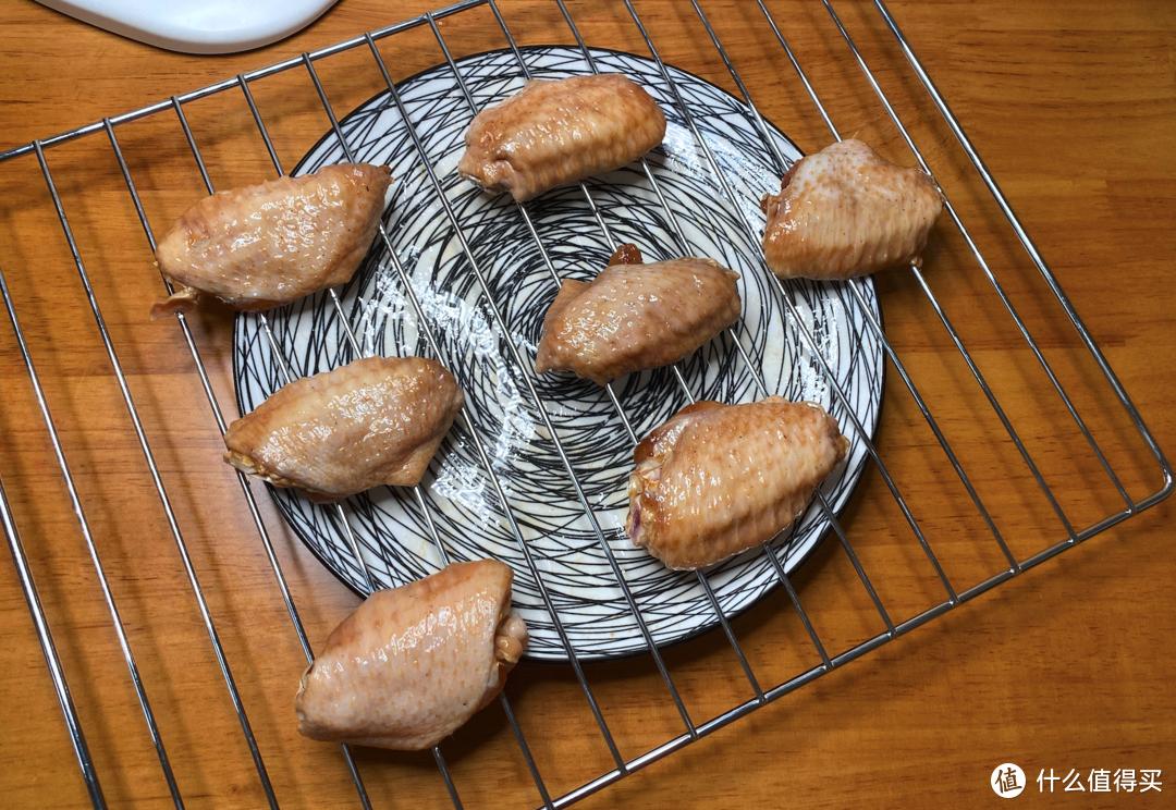 夏天不想开火又想吃美味,外酥里嫩的烤鸡翅(烤箱版)