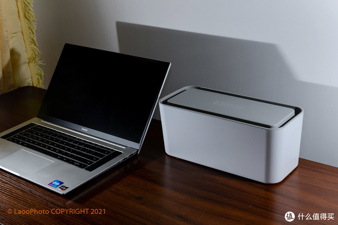 告别脏乱,美化桌面的Orico 智能充电插线板
