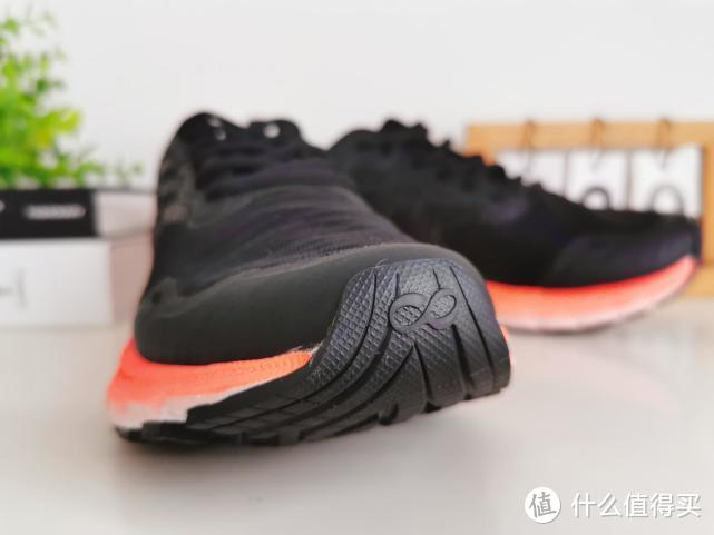 咕咚10K悦弹跑鞋,舒适当道,柔软高弹会呼吸