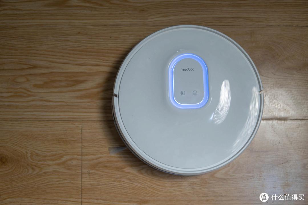 家中清洁一次搞定,宜宝Q11扫地机器人吸尘、拖地、集尘三合一