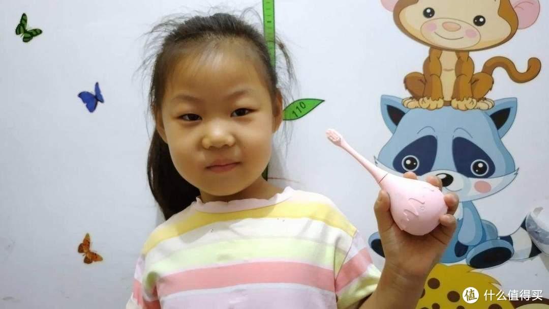 让你的孩子爱上刷牙,Combo咸蛋超人儿童电动牙刷使用评测