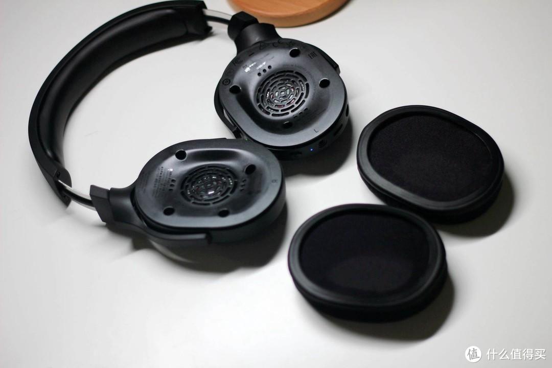 无线TYPE-C接收器加持,兼顾PC与移动平台 - Razer雷蛇 梭鱼X无线游戏耳机