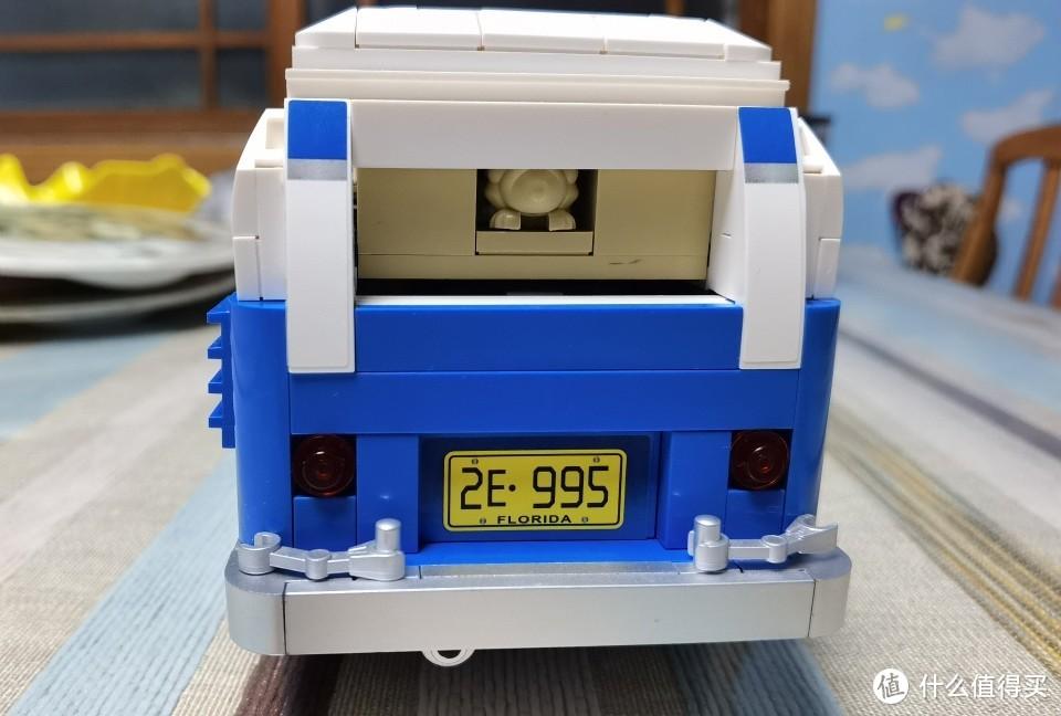 车厢尾部造型,没有能活动的部分。