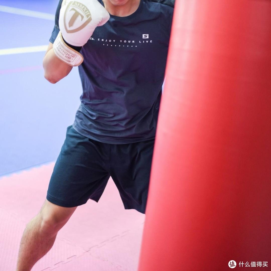 高弹科技快速呼吸,图途森力速干短袖拳击训练图赏