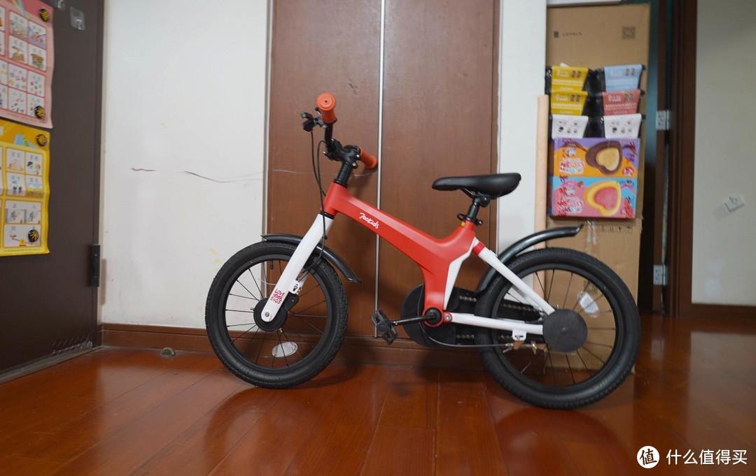家有萌娃初长成,柒小佰运动减震自行车体验