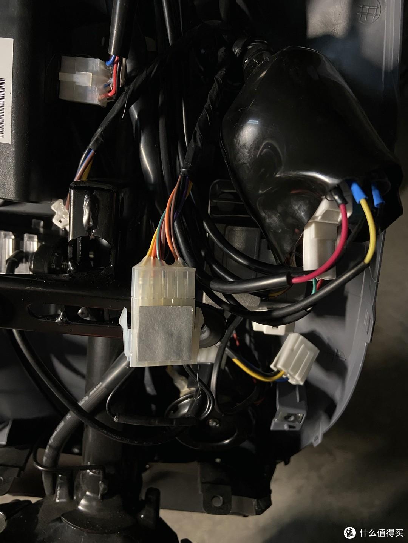 车上的10PIN接插件
